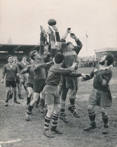 2 april (2e Paasdag) 1956. RC 't Gooi vs Old Lutonians op Sportpark Zuid Bussum